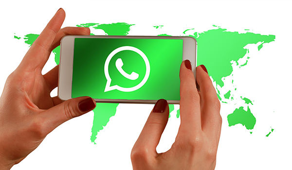movil whatsapp redes sociales